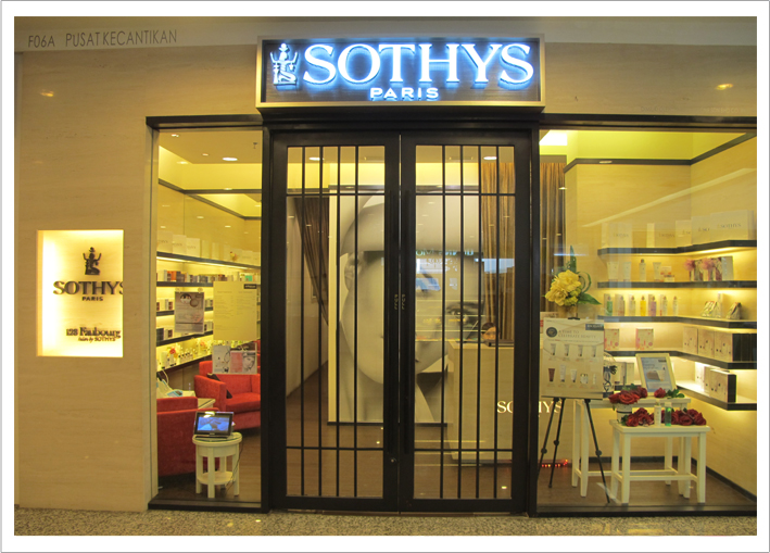 Stores categories empire shopping gallery for 128 faubourg salon by sothys